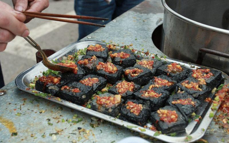 Đậu phụ thối là một trong những món ăn đặc sản ở Trung Quốc